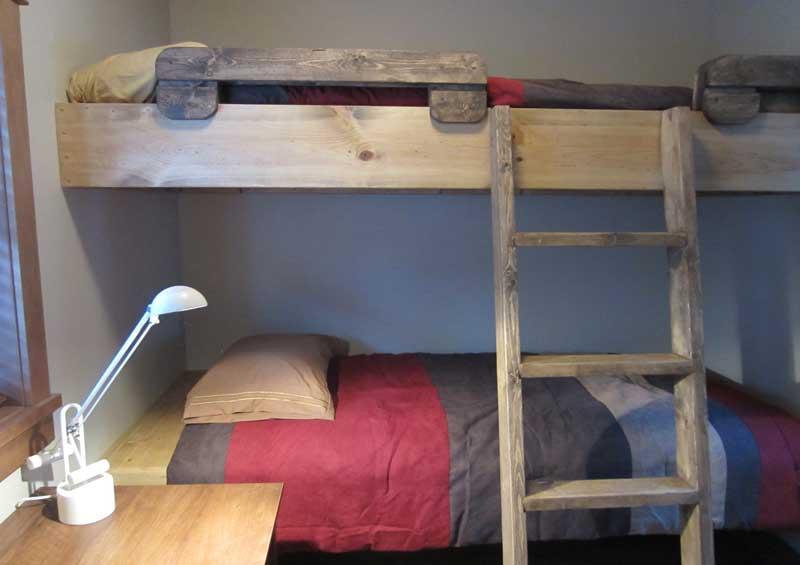 Upper level bunkbeds